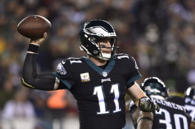 Philadelphia Eagles not expected to limit Carson Wentz in OTAs