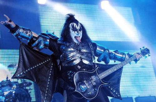 KISS kicks off N. American tour