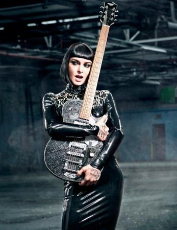 Sinead O'Connor undergoes drastic makeover for new album cover