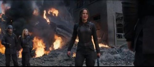 The 'Hunger Games' releases last trailer for 'Mockingjay Part 1'