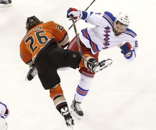 Mats Zuccarello's overtime goal lifts New York Rangers past Anaheim Ducks