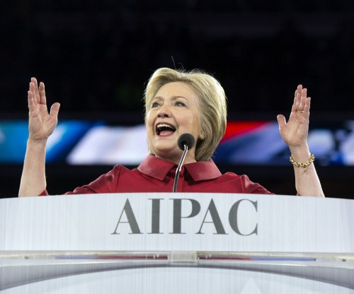 Clinton takes aim at Trump's 'neutral' stance on Israel in AIPAC speech