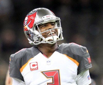 Tampa Bay Buccaneers QB Jameis Winston undergoes LASIK eye surgery