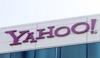 Yahoo! CEO accused of cooking his resume