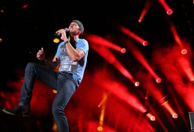 Luke Bryan's 'Crash My Party' tops U.S. album chart