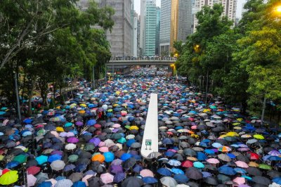 Hong Kong protests show no sign of slowing as 1.7 million rally