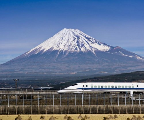Maglev train in Japan breaks world record at 590 kilometers per hour