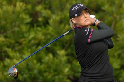 Cristie Kerr takes CME lead at turn