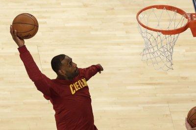 Cleveland Cavaliers foul DeAndre Jordan, beat Los Angeles Clippers