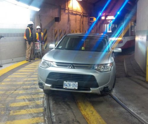Canadian driver followed GPS into streetcar tunnel
