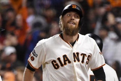 Hunter Pence knocks in five runs in San Francisco Giants' rout of Pittsburgh Pirates