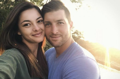 Miss Universe wishes boyfriend Tim Tebow a happy birthday