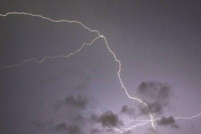 One struck, seven injured in lightning strike on Florida beach