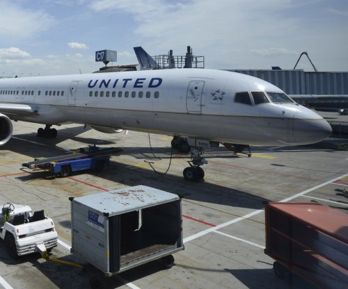 United Airlines, pilots union agree to terms of job cuts plan