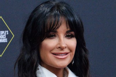 Kyle Richards hospitalized after 'multiple' bee stings