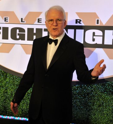 Steve Martin apologizes for 'racist' tweet