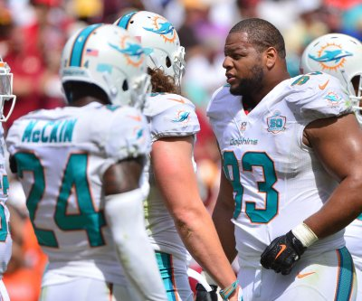 Ndamukong Suh denies he dressed down Dolphins teammates