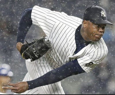 New York Yankees sign Aroldis Chapman for five years, $86M