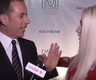 Jerry Seinfeld denies Kesha a hug in viral video