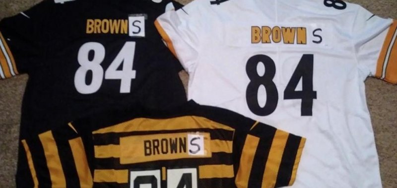 buy online 69a5d 98f30 Antonio Brown alters jerseys to show Cleveland Browns fandom ...
