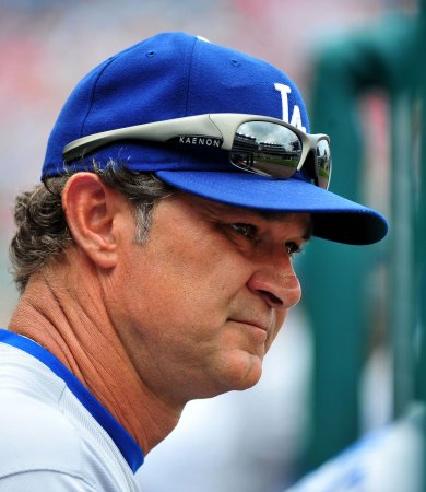Dodgers retain Mattingly, coaching staff