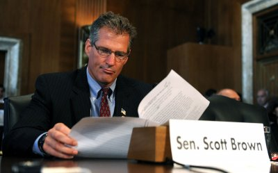Scott Brown launches exploratory committee for NH Senate