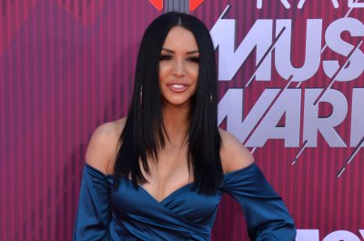 Scheana Shay denies hooking up with Jax Taylor