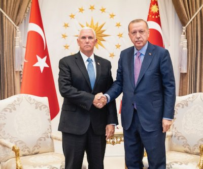 Pence, Pompeo arrive in Turkey to press Erdogan on Syrian invasion