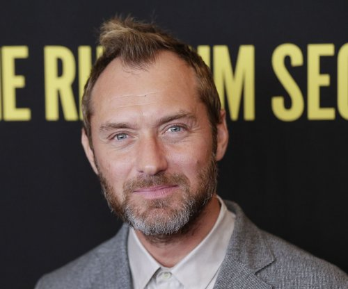 Jude Law, Carrie Coon made a marriage story without divorce