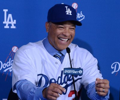Dave Roberts introduced as Dodgers manager