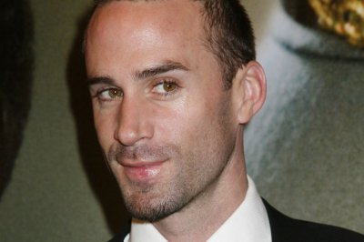 Joseph Fiennes cast as Michael Jackson for TV movie