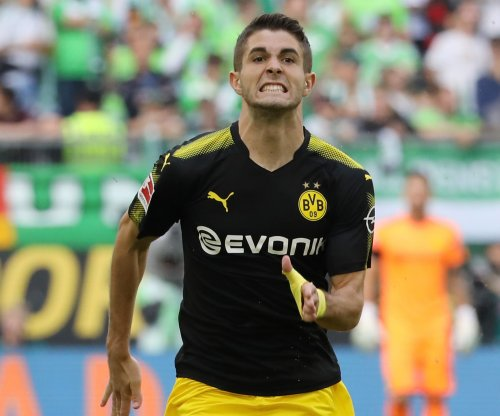 Christian Pulisic breaks record, wins U.S. Soccer Male Player of the Year