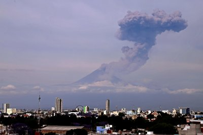 Central Mexico under yellow alert after Popocapetl erupts