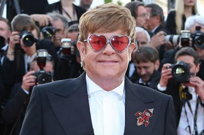 Elton John is 29 years sober: 'I am eternally grateful'