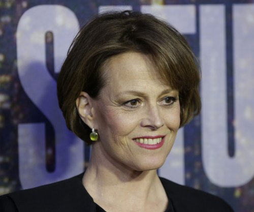 Sigourney Weaver says 'Alien vs. Predator' was depressing