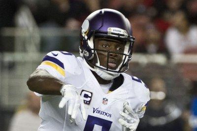 Teddy Bridgewater brings Vikings back in 23-20 win