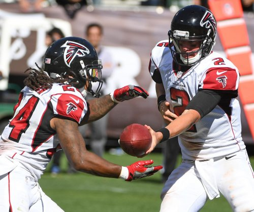 Matt Ryan, Julio Jones fuel Atlanta Falcons past Oakland Raiders