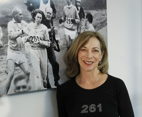1st woman to officially run Boston Marathon to try again 50 years later