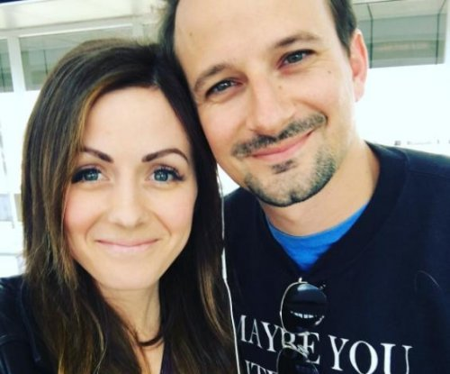 'Bachelor in Paradise' stars Evan Bass, Carly Waddell marry
