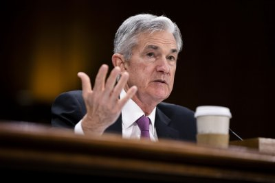 Fed chairman says U.S. economy healthy, but warns about volatility