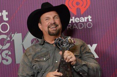 Garth Brooks says new album is finished on 'Kimmel'