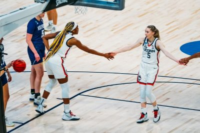 Women's basketball tourney: Paige Bueckers sets points record, UConn routs High Point