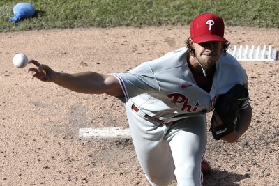 Phillies' Aaron Nola strikes out 10 straight Mets batters, ties MLB record
