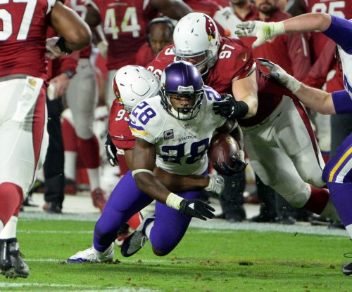 Minnesota Vikings RB Adrian Peterson returns to practice