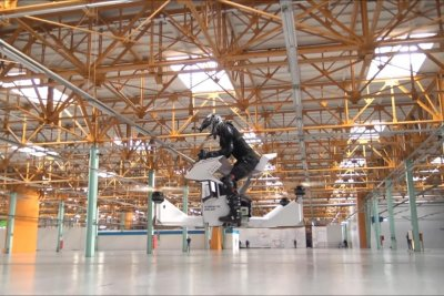 Russian engineers unveil drone-like 'hoverbike'