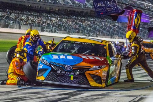 Auto racing preview: Busy weekend for NASCAR in Martinsville, NHRA in Las Vegas