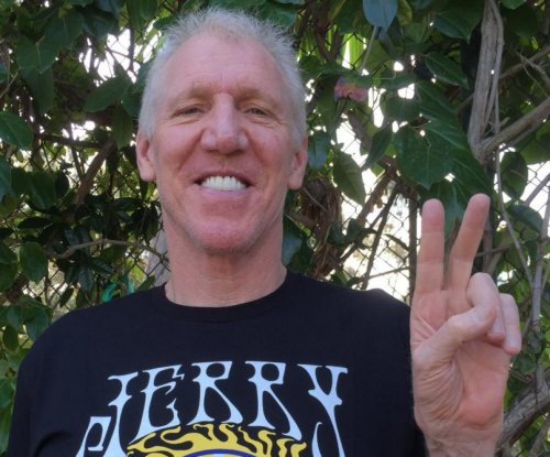 Bill Walton has cringe-worthy moment, references fellow broadcaster's deceased dog