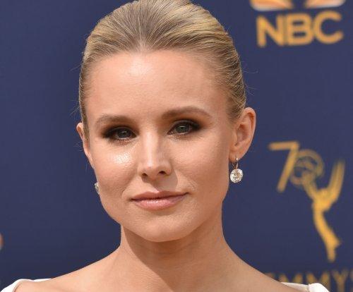 'Veronica Mars' cast unites for sequel series table read