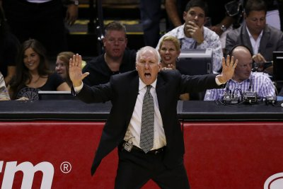 San Antonio Spurs limp into Chicago to face short-handed Bulls