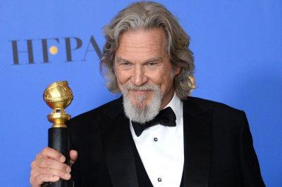 Jeff Bridges talks The Dude, changing society in Golden Globes speech